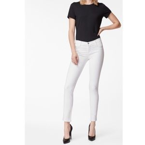 J. Brand 811 skinny ankle jeans in snow (white)